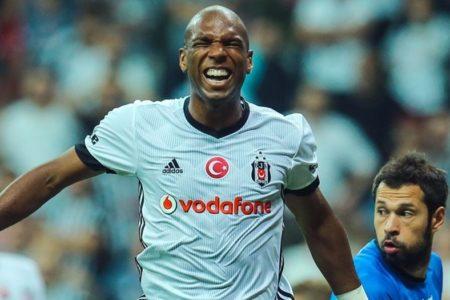 Ryan Babel: Türkiye'de takımlar 11 kişiyle kalenin önünde sıralanıyor