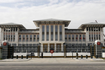 Devlete maliyeti 1,37 milyar olan Saray'da 6 bin lira maaşlı 36 başdanışman var