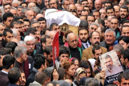 """Savcılık Tahir Elçi'yi """"sehven"""" terörist ilan etmiş"""