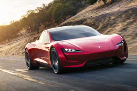 Tesla'nın yeni elektrikli otomobili: Tek şarjla bin kilometre
