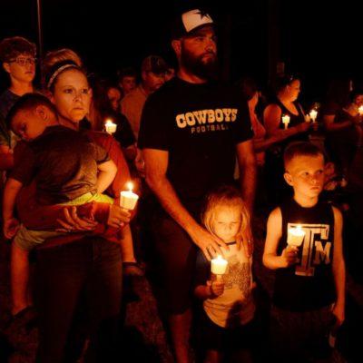 Teksas'da düzenlenen anma etkinliğine binlerce kişi katıldı