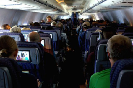 Havadayken aldatıldığını öğrendi,  uçağa zorunlu iniş yaptırdı!