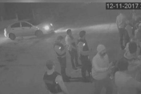 """İstanbul polisi salon basıp müşterileri dövdü: """"12 Eylül kafası yaşanıyor"""""""