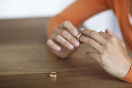 Evde bekar erkek misafir boşanma nedeni
