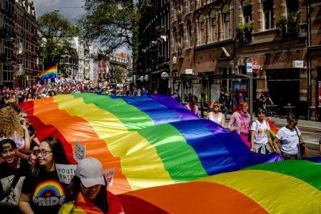 Amsterdam Belediyesi yıllarca eşcinselleri fişledi, onlara iş vermedi