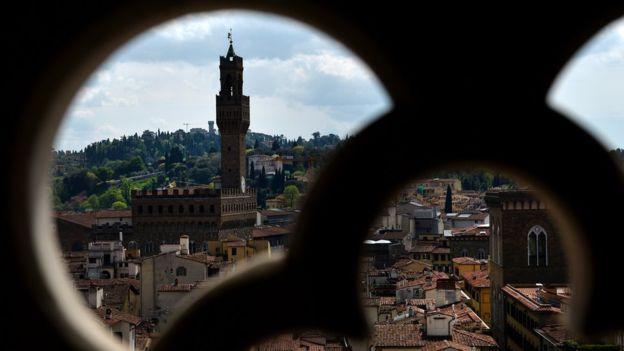 Katolik Kilisesi Floransa'da cami inşası için arazi satıyor