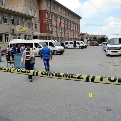 Bağcılar'da çatışma: 1'i öğrenci 5 kişi yaralandı