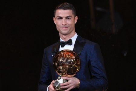 Ronaldo, Messi'yi yakaladı