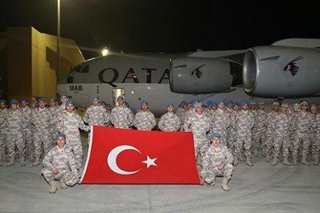 Türkiye'den Katar'a asker ve obüs sevkiyatı