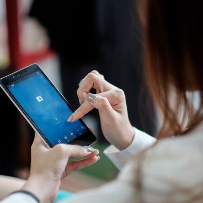 Yeni yılda yeni bir karar: sosyal medya uygulamalarını telefondan kaldırmak
