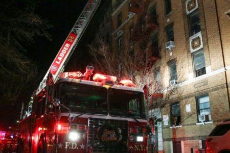 New York'ta son 25 yılın en büyük yangını: 12 ölü