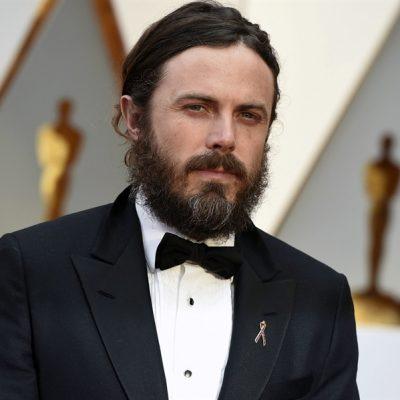 Cinsel tacizle suçlanan Casey Affleck, Oscar sunuculuğundan çekildi