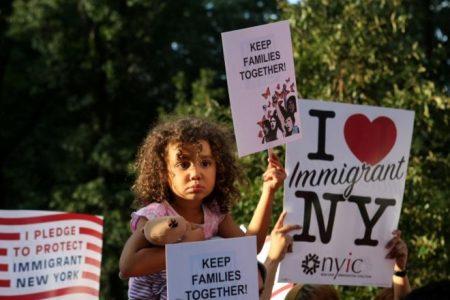 Trump'ın 800 bin göçmeni sınır dışı etme hamlesine yargıç engeli