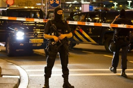 Amsterdam'da silahlı saldırı!