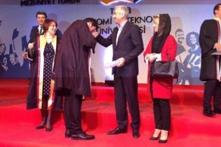 KHK ile atılan akademisyenin yerine, AKP milletvekilinin oğlu atandı