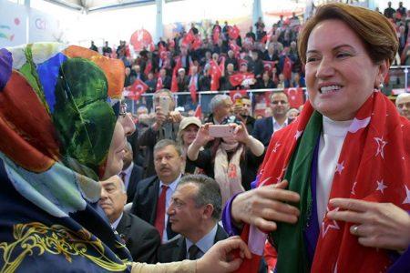 Akşener'den Erdoğan'a: Apo aldattı, FETÖ aldattı, PKK aldattı, Obama da aldatmış; aldatmayan yok