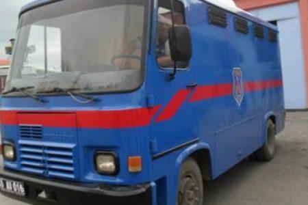 Ambulans verilmeyen bir hasta mahkum daha ring aracında hayatını kaybetti