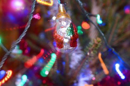 İtalya'da Noel ağacını yakmakla tehdit edip fidye istediler