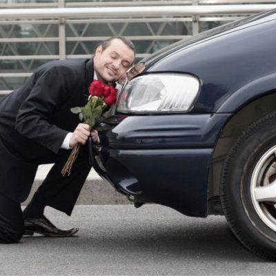 Erkekler arabalarına tuhaf isimler veriyor,onların kişiliği olduğunu düşünüyor ve yalnız kaldıklarında onunla konuşuyorlar