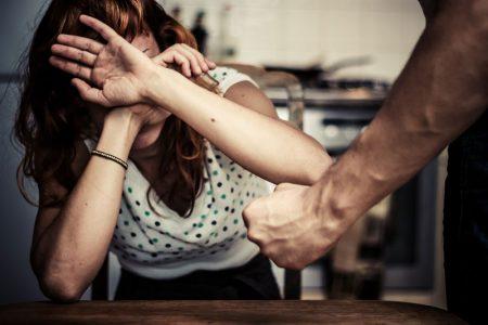 Kadına karşı şiddete yönelik İstanbul sözleşmesi Almanya'da yürürlüğe girdi