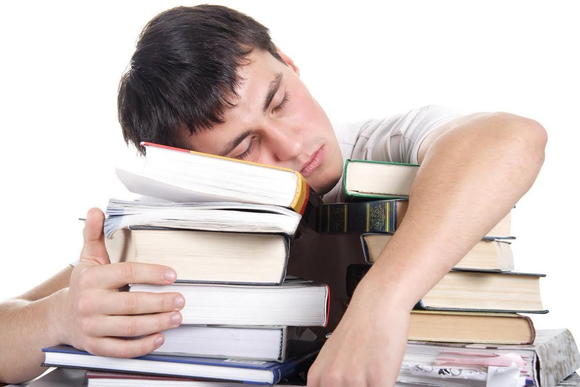 Güçlü bir bellek için ne kadar uyku